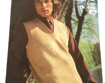 Sirdar 5301 vintage 1970s knitting pattern men's sweater vest tank top