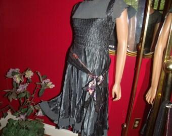 2-pc Vintage Flapper Dress  Belt 20s Theme   Evening Holiday  Size none