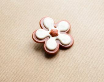 Flower Brooch Orange Pin Retro Flower Daisy White