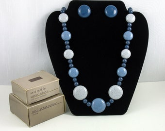 Vintage AVON 'Sand Pebbles' Set - Necklace and Pierced Earrings (1986) with Original Boxes. Blue Button Jewelry Set. Vintage Avon Jewelry.