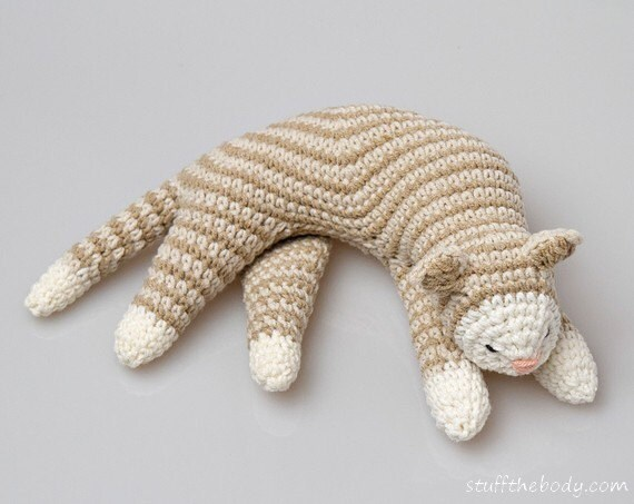 Amigurumi Kitten Patterns : Sleepy cat crochet pattern cat amigurumi pattern home decor