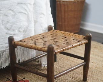 Vintage wide woven reed wooden stool ottoman, woven footstool, farmhouse step stool, shaker style cottage decor