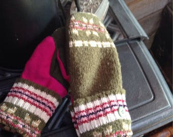 Cozy kelly green upcycled sweater mittens, fleece lined, ladies medium