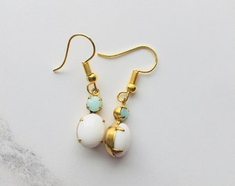 Beautiful white and mint earrings - vintage glass