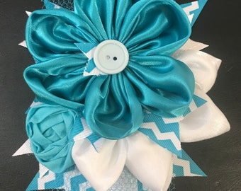 Teal and White Spring Flower Pin