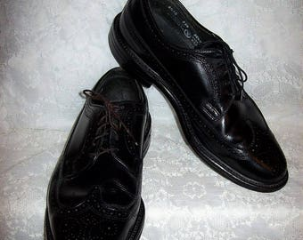 Vintage 1960s Men's Black Leather Executive Imperial Longwing Wingtip Oxfords by Mason Shoes Size 8 1/2 E Only 18 USD