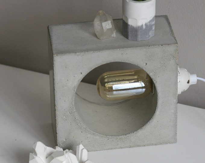 Square Concrete Table Lamp with Edison Bulb | Concrete Light | Urban | Industrial