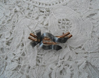 Antique bow brooch 1900