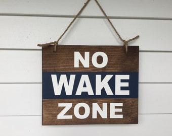 No wake zone, sign comes with a jute hanger. | Bathroom Decor | Lake House Decor | Lake Sign | Bathroom Sign | Nursery Decor | Beach House