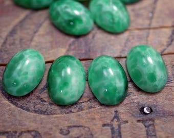 Cabochon Jade Green Satin Glass Marbled Glass Art Deco 14x10mm Cabochon (4) J187