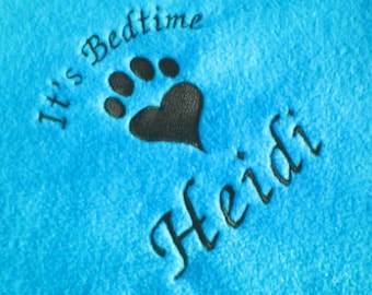 Personalised Cat Bed Blanket in Bright Blue. Embroidered Pawprint Heart and Cat Name. Soft Fleece Bedding for Pets, Cats Cat Kittens Kitten