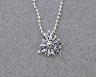 Sterling sunflower pendant and chain