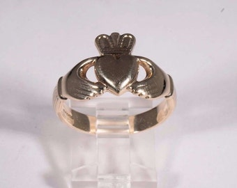 9K Yellow Gold Claddagh Ring, Size 10