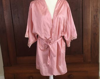 S / Pink Robe with Lace Dolman Sleeves / Vintage / Small