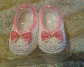 handmade baby booties with crochet