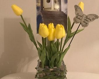 Artifcal flower arrangements