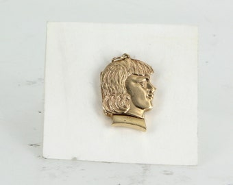 Vintage Art Deco Locket Pendant Portrait of a Man 14 Karat Yellow Gold Jewelry