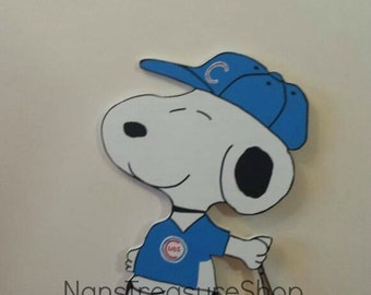 Outdoor Chicago Cubs baseball Snoopy