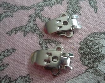 Silver metal shoe clips