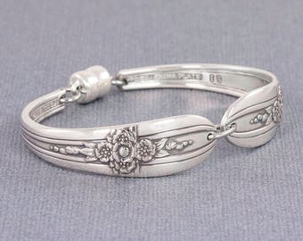 Silverware Bracelet - Spoon Jewelry - Triumph 1941 Spoon Bracelet - Gift for Her - Mothers Jewelry