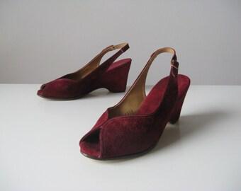 vintage 1940s platform shoes / maroon platforms