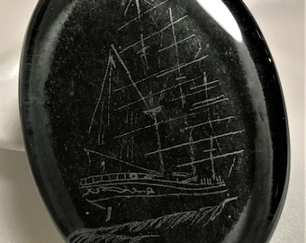 Ship Sail Mast Ship Clear Glass Paperweight Decorative Heavy Felted Bottom Artist Signed 1990s - Glass Paperweights - Ship Drawing