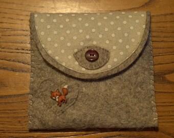 Cute handmade felt purse pois