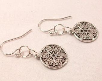 Round filigree pendant earrings