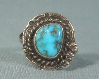 BLUE TURQUOISE Ring Size 6-1/2 to 6-3/4 Vintage Sterling Silver-Ethnic Native Southwest Navajo Indian M Y Hallmark-Twisted Rope Flower-00061