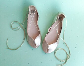 Wedding Shoes Flats. Bridal Shoes. Bridal Low Heel Shoes. Bride Gift. Bridesmaids Gift. Peep Toe Flats. Gold Shoes. Leather Ballet Flats