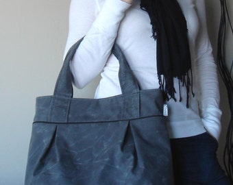 Weekend Tote - Waxed Canvas in Charcoal