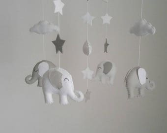 White and grey elephant mobile -nursery mobile, monochrome nursery mobile, black and white nursery mobile
