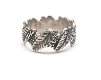 Vintage Sterling Silver Ring Spring Leaf Design Size 6.25 Signed GOLDILOCKS