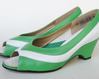 Vintage 70s 80s Shoes Green & White Stripe Peep Toe Wedge Sandals  7 M