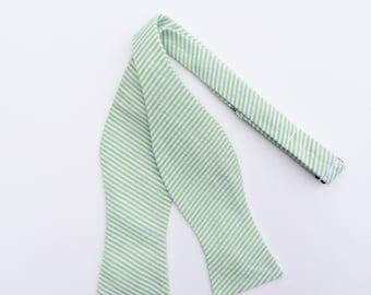 Men and Teen's Green Seersucker Bow Tie