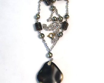 VINTAGE - AGATE STONE Necklace With Glass Beads - 1960s