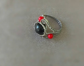 Wirewrapped red and black ring