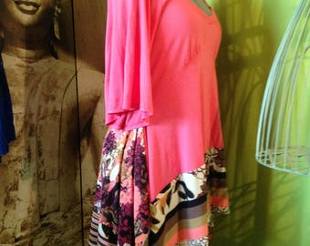 Tunic T 42-44 salmon pink and floral pattern