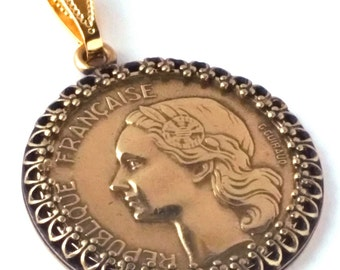 France Jewelry 20 Francs Coin Pendant Woman Rooster Chicken Laurel Gold Color 1950 - 1954 France Necklace French Coin Birthday Gift for Her