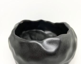 Round Touch Planter - Matte Black - Handmade Porcelain