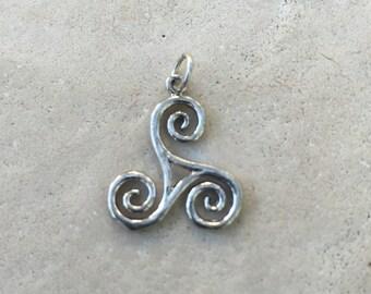 Sterling Silver Celtic Triskellion Pendant, 1 pendant, 20 x 26 mm