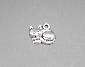 1 silver color, size 15 x 13 mm cat charm