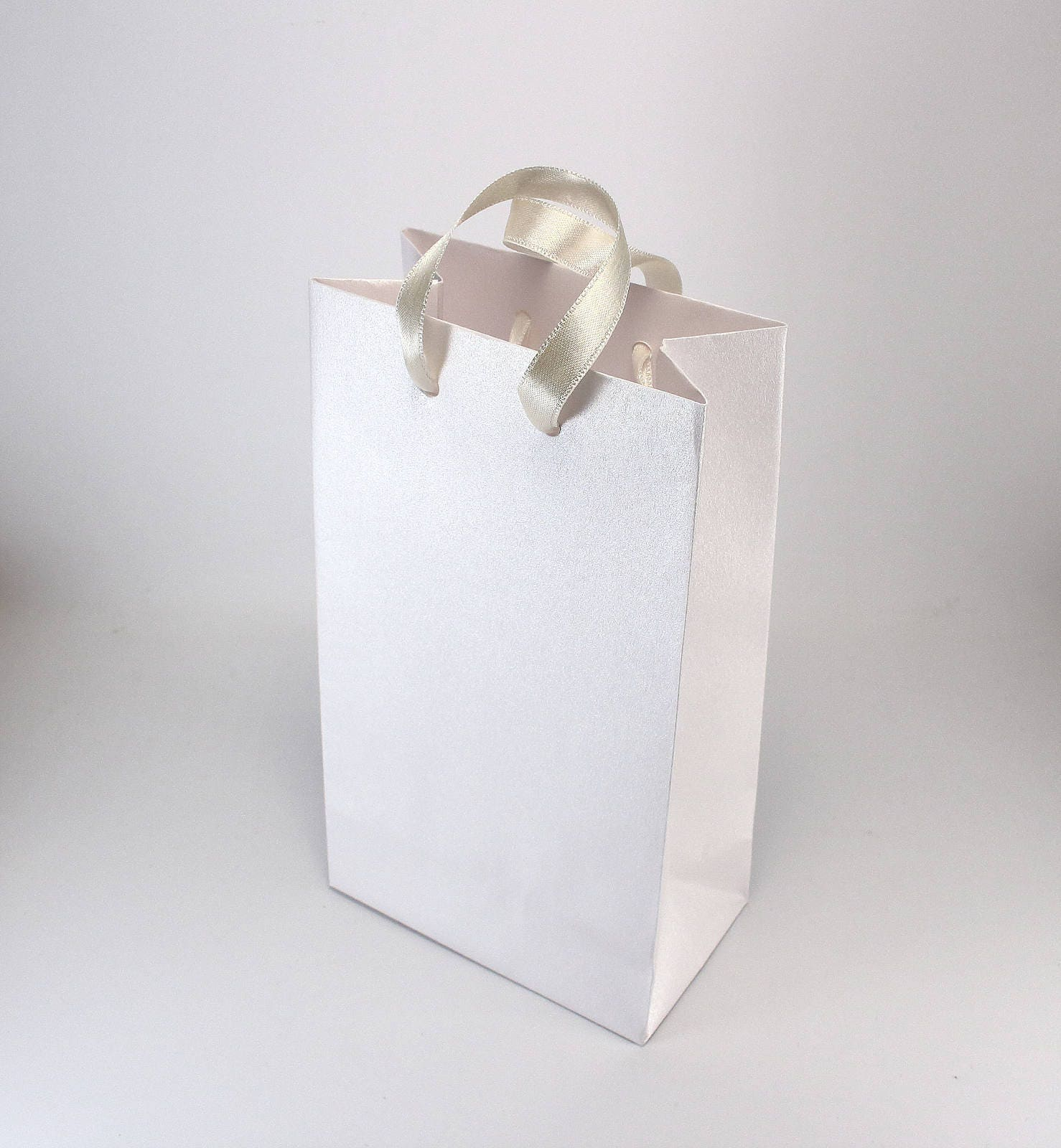 50 Small White Paper Bags For Wedding Guests Luxury Metallic Paper