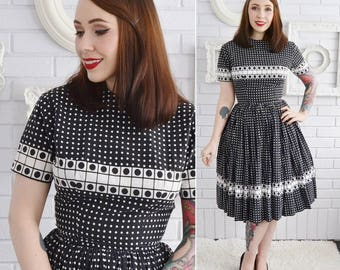 Vintage 1950s Black and White Polka Dot Dress with Pockets by Anne Fogarty Size XS