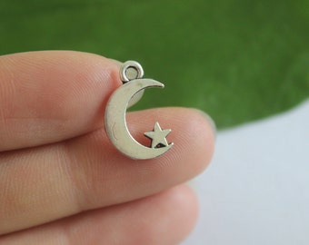 wholesale~10pcs  Moon and Star Charms Antique Silver Tone 2 Sided