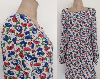 1970's Floral Nylon Shift Dress Red White & Blue Flower Print Mod Mini Dress Size Small Medium by Maeberry Vintage