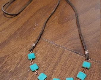 Suede leather and glass square necklace
