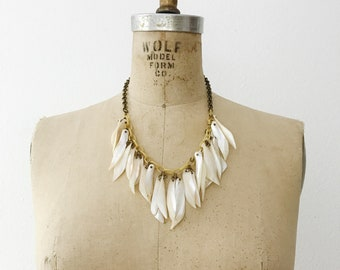 40s necklace / vintage celluloid necklace / Mother of Pearl necklace