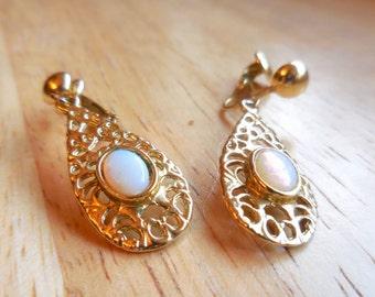 Earrings, Moonstone, Faux, in Gold-tone Filligree setting, Clip on earrings, Dangle earrings, Vintage,