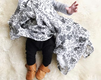Magic Mouse Muslin Blanket / swaddle sack / baby cocoon / photo shoot / baby gift